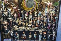 Herinneringswinkel in het Ghotic-kwart van Barcelona, Catalonië, Kuuroord stock foto's