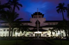 Colonial historical white building during blue purple sunset evening royalty free stock photos