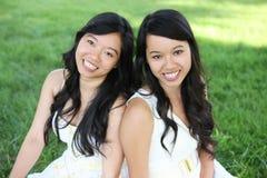 Hermana asiática en parque Fotografía de archivo libre de regalías
