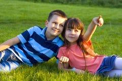 Hermana con el hermano Imagenes de archivo