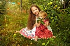 Hermana en el jardín Fotografía de archivo