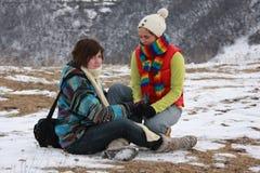 Hermanas en nieve Foto de archivo libre de regalías