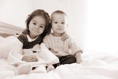Hermano y hermana Foto de archivo
