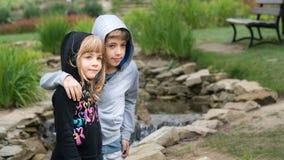 Hermano y hermana Fotografía de archivo