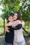 Hermano y hermana felices Imagen de archivo libre de regalías
