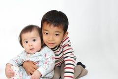 Hermano y hermana japoneses fotos de archivo libres de regalías