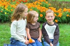 Hermano y hermanas fotografía de archivo libre de regalías