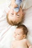 Hermanos del bebé   Foto de archivo libre de regalías