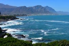 Hermanus, cidade de observação da baleia, cabo ocidental, África do Sul foto de stock royalty free