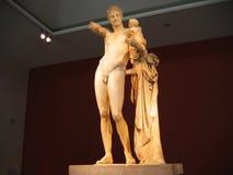 Hermes av Praxiteles på den arkeologiska platsen av Olympia Peloponne royaltyfri bild