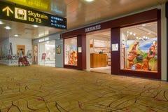 Hermes robi zakupy w lotnisku Fotografia Royalty Free