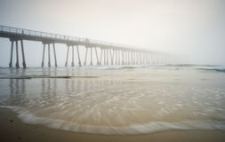 Hermosa Strand-Pier nebelig Lizenzfreies Stockfoto