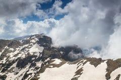 Hermosa vista alta en las montañas Imagen de archivo libre de regalías