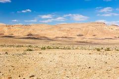 Hermosa vista colorida del paisaje de las colinas de las montañas del desierto Imágenes de archivo libres de regalías