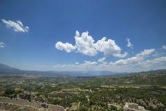 Hermosa vista con las montañas Imagen de archivo