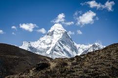 Hermosa vista de Ama Dablam del viaje a Everset en Nepal himalaya fotografía de archivo libre de regalías