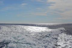 Hermosa vista de la agua de mar de ebullición con la onda de torneado Patagonia, Chile Fotos de archivo