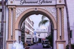 Hermosa vista de la entrada principal de los estudios de Paramount Pictures EE.UU. foto de archivo