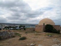 Hermosa vista de la fortaleza de Fortezza en la ciudad Cretan de Rethymnon foto de archivo