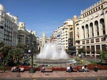 hermosa vista de la fuente y el centro de ciudad de Valencia Spain imagenes de archivo