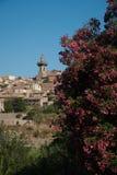 Hermosa vista de la pequeña ciudad Valldemossa Imagen de archivo