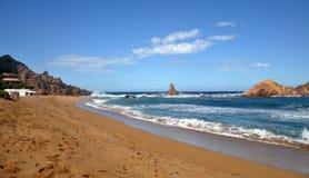 Hermosa vista de la playa de la isla de Menorca - viaje asombroso a Balearic Island en España Fotos de archivo libres de regalías