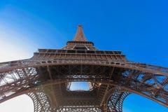 Hermosa vista de la torre Eiffel en París Fotografía de archivo libre de regalías