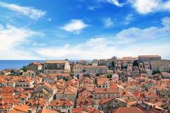 Hermosa vista de las calles de la ciudad histórica de Dubrovnik, Croacia Fotografía de archivo libre de regalías
