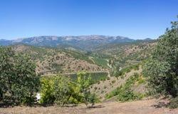 Hermosa vista de las montañas de la península crimea en el verano Fotografía de archivo libre de regalías