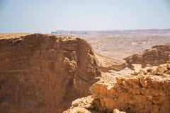 Hermosa vista de las montañas secas Imagen de archivo libre de regalías