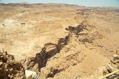 Hermosa vista de las montañas secas Fotos de archivo