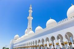 Hermosa vista de Sheikh Zayed Grand Mosque, UAE Imagenes de archivo