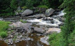 Hermosa vista de una cascada Imagen de archivo