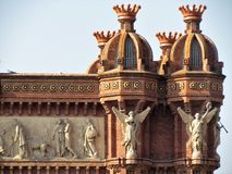 Hermosa vista del arco de Triumf en Barcelona fotografía de archivo