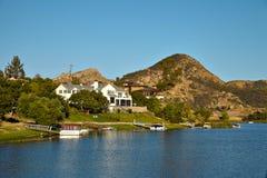 Hermosa vista del lago Malibu foto de archivo