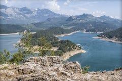 Hermosa vista del lago Manavgat de la montaña Fotos de archivo libres de regalías