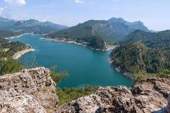 Hermosa vista del lago Manavgat de la montaña Fotos de archivo