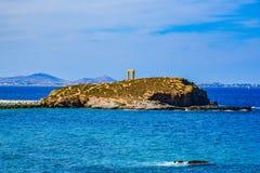 Hermosa vista del mar Mediterráneo de la isla Naxos en Grecia foto de archivo