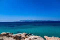 Hermosa vista del mar Mediterráneo de la isla Naxos en Grecia imagen de archivo libre de regalías