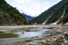 Hermosa vista del río de Kunhar en Naran Kaghan Valley, Paquistán Fotos de archivo