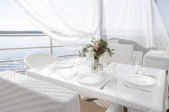Hermosa vista del restaurante en el aire abierto Fotografía de archivo