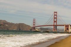 Hermosa vista del tiro de puente Golden Gate del panadero Beach en San Francisco fotos de archivo libres de regalías