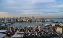 Hermosa vista en el canal de Bosphorus en Estambul Imagen de archivo