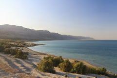 Hermosa vista en la costa de mar muerta Foto de archivo