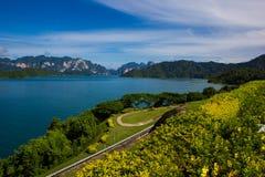 Hermosa vista en la presa, Tailandia Imagenes de archivo