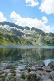 Hermosa vista en montañas Foto de archivo libre de regalías