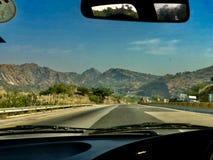 Hermosa vista en un viaje del coche fotografía de archivo