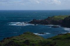 Hermosas vistas de la costa del norte de Maui, llevadas de la carretera con curvas famosa Hana Maui, Hawaii Foto de archivo libre de regalías