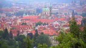 Hermosas vistas de Praga de la ciudad almacen de video