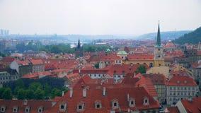 Hermosas vistas de Praga de la ciudad almacen de metraje de vídeo